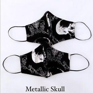 Halloween metallic skull face mask